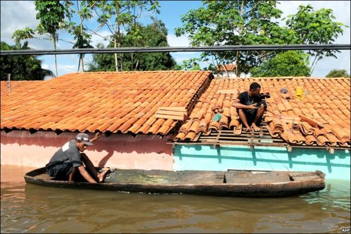 Homes effected by the flooding that began last month in North East Brazil. Photo courtesy ofhttp://news.bbc.co.uk/1/hi/in_pictures/8046955.stm